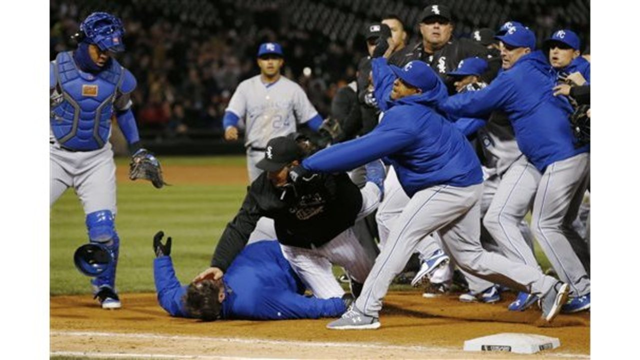 Astonishing Benches Clear In Royals White Sox Brawl Onthecornerstone Fun Painted Chair Ideas Images Onthecornerstoneorg