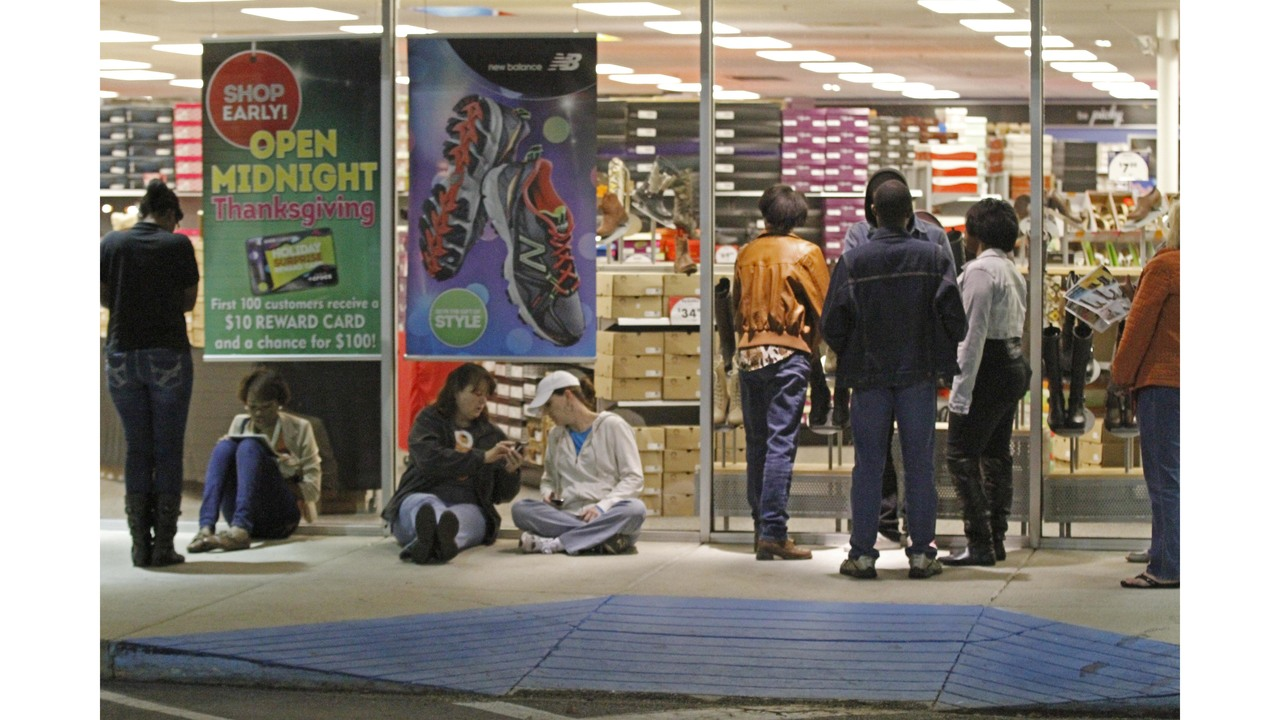 shoe carnival announces grand opening for store in topeka