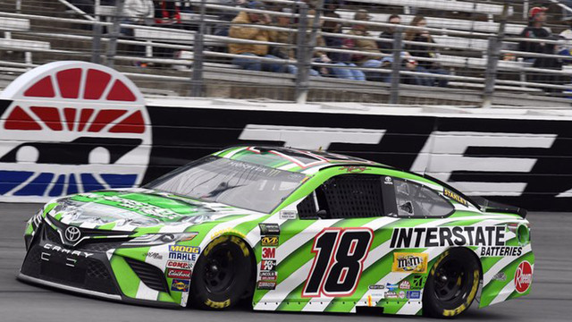 Kyle Busch win at Texas; Truex Jr. crashes, finishes last