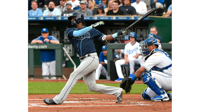 Wendle RBI single with 2 outs in 9th lifts Rays over Royals