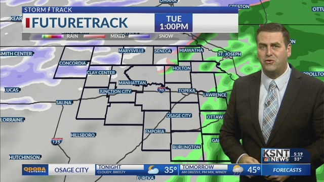 Drizzle and light rain gives way to a winter mix on Tuesday