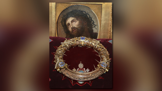 Mayor: 'Human chain' saved crown of thorns, other artifacts from Notre Dame fire