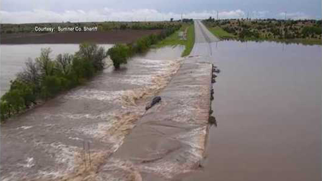 One lane of southbound I-35 reopens on Kansas Turnpike after flooding