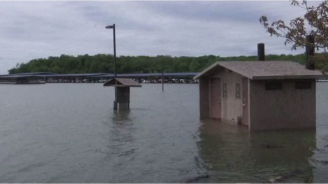 Clinton Lake boat ramps, beaches closed ahead of Memorial Day